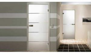 Двері зі скла: переваги та недоліки